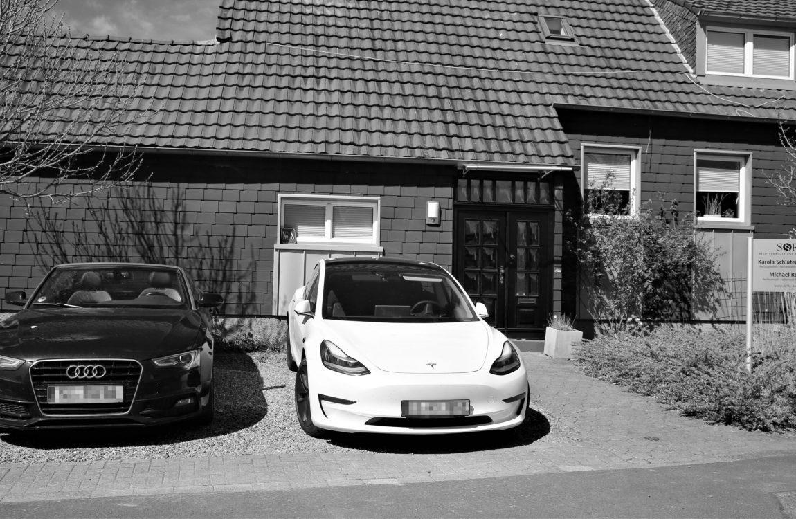 Kanzlei Burbach-Holzhausen_Autos_unkenntlich