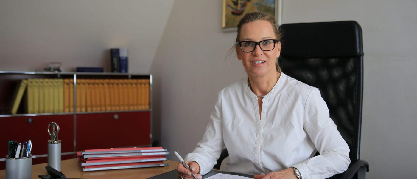Rechtsanwältin_Karola Schlüter-Oelkers